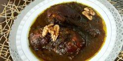 طرز تهیه خورش فسنجان خوشمزه و مجلسی با گوشت قرمز و مرغ