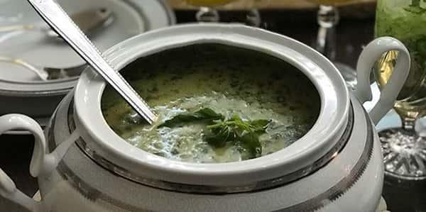 طرز تهیه سوپ اسفناج با شیر و خامه , دستور پخت سوپ اسفناج با قارچ و جو