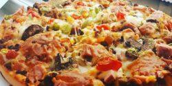 طرز تهیه پیتزا مخلوط خانگی خوشمزه و مخصوص به روش رستورانی